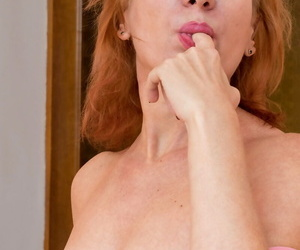 Hot older woman Silvia plays..