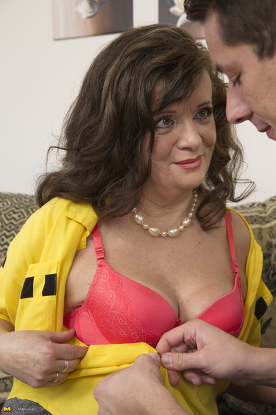 Naughty mature lady doing..