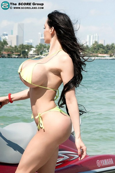 Horny milf amy anderssen in..